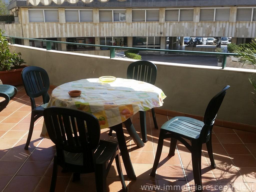 Casa Affitto Tirrenia. in Centro Rif.A.9