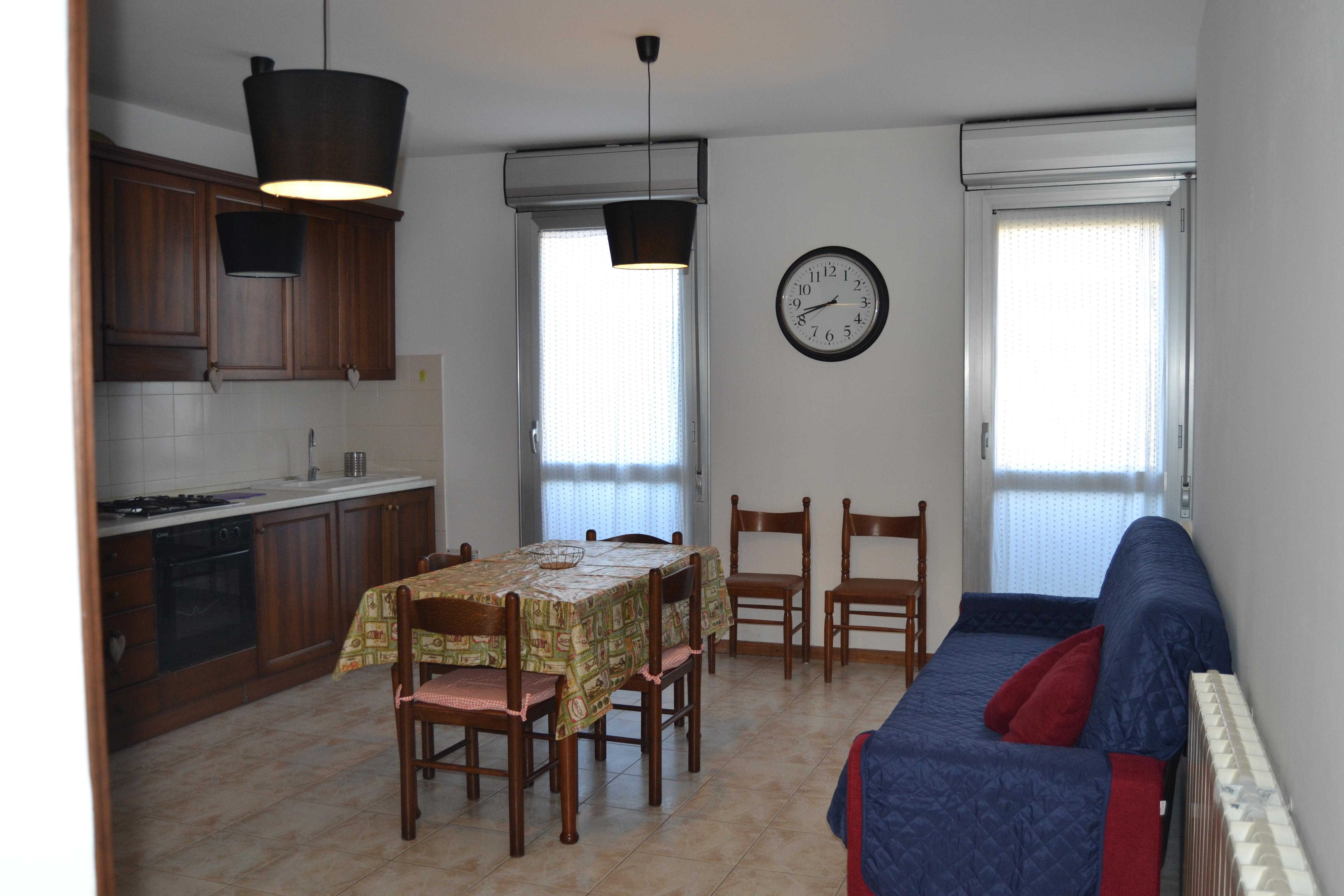 Appartamento In Centro a Tirrenia  Rif . A .34