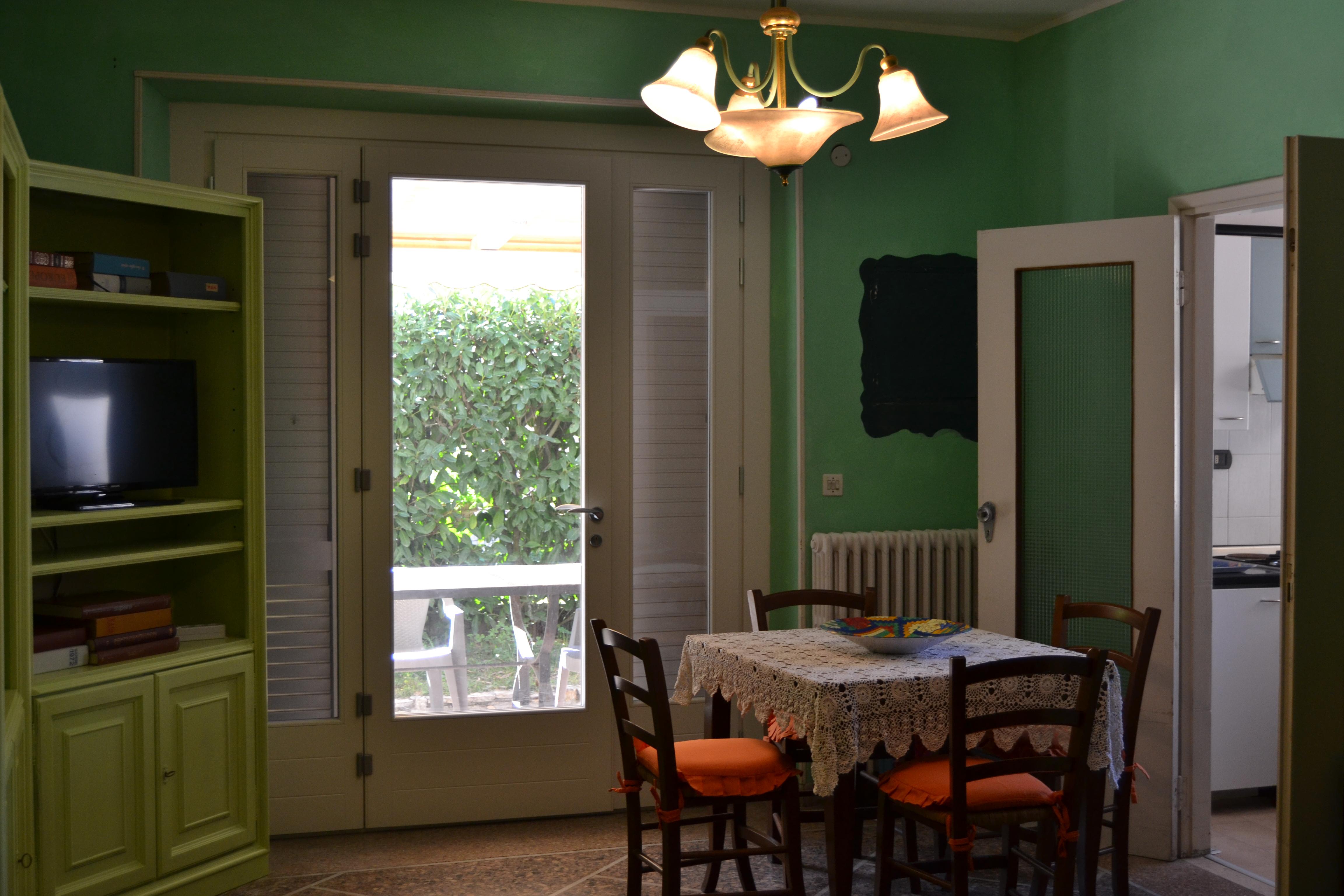 Casa Vacanze a Tirrenia, con due camere Rif.A.55